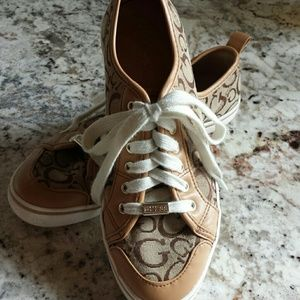 """Guess """"Goodly"""" Sneakers"""